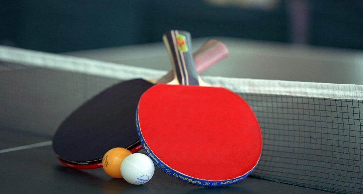 Plakat turnieju Mikołajkowy Turniej Tenisa Stołowego Wiśniowa